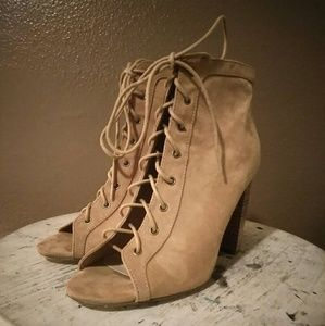JUST IN!!! JustFab- Lace-up Boot